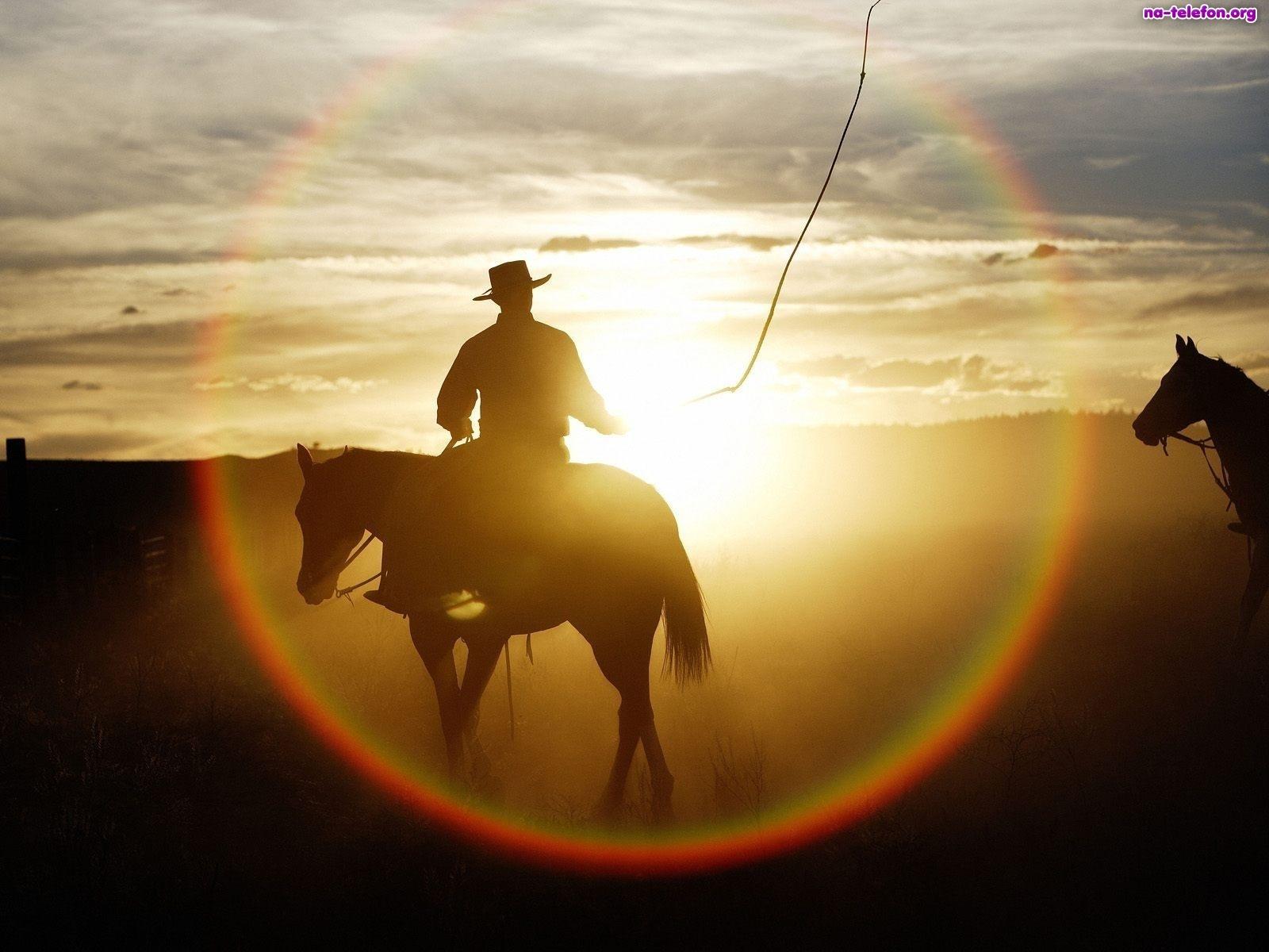 konie-zachod-slonca-kowboje